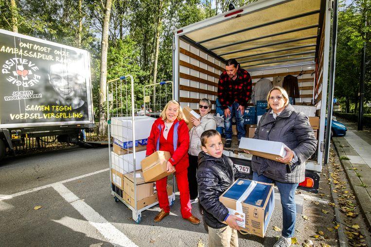 vzw Bitna zorgde ervoor dat Colsol 260 kilogram voedsel extra kon uitdelen aan mensen in armoede